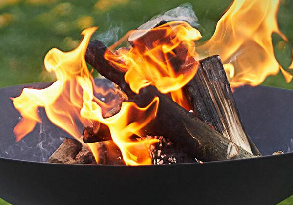 Feuerschalen / Feuersäulen / Feuerkörbe